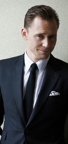 Tom Hiddleston photographed by Takako COCO Kanai in Japan for cinematoday. Via Torrilla (http://m.weibo.cn/status/4091505709046151#&gid=1&pid=9) Full size image: http://wx1.sinaimg.cn/large/6e14d388gy1fe6fxuap87j21kw11qk47.jpg