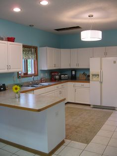 White Testimonial Gallery: Rust-Oleum Cabinet Transformations® - A Revolutionary Kitchen Transformation System Cabinet Transformations, Rust, Condo, Kitchens, Gallery, Ideas, Home Decor, Decoration Home, Roof Rack