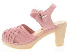 Moheda Toffeln: Estelle Pale Pink, What To Wear, Sandals, Shoes, Fashion, Slide Sandals, Moda, Sandal, Shoes Outlet