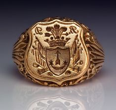 An Antique Signet Gold Ring circa 1840. A very rare antique Russian armorial seal ring with the crest of the Yaminsky family. The shaped shield of the ring