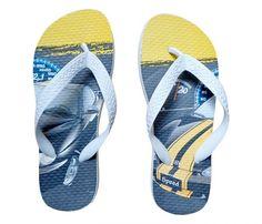 Chinelo Infantil Hot Wheels Branco - Ideal para usar com todos os tipos de roupas, deixando seus pés com muito estilo. Seu solado macio em EVA e suas tiras em borracha se ajustam para acompanhar as curvas dos pés, moldando-os com máxima suavida...