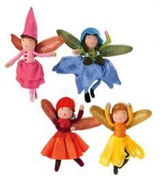 more ideas for flower fairies Fairy Crafts, Felt Crafts, Fairy Clothes, Felt Fairy, Fairy Jewelry, Miniature Fairy Gardens, Mini Gardens, Flower Fairies, Waldorf Dolls