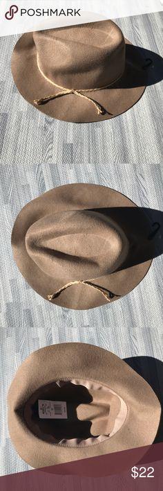 Tan fedora, NWT, so CUTE! Tan fedora, NWT, so CUTE! kohls Accessories Hats