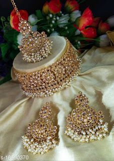 Indian Jewelry Earrings, Indian Jewelry Sets, Indian Wedding Jewelry, Jewelry Design Earrings, Flower Jewelry, Wedding Jewellery Designs, Fancy Jewellery, Bridal Jewelry Vintage, Bridal Jewelry Sets