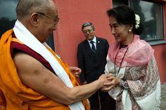 Pohled do zákulisí na setkání dvou lidí, kteří se počítají mezi přátele Václava Havla. Jeho Svatost dalajlama a Su Ťij.
