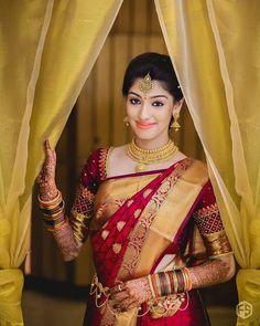 South indian bridal saree wedding outfits New ideas South Indian Wedding Saree, Indian Bridal Sarees, Wedding Silk Saree, India Wedding, South Indian Bride Jewellery, Bengali Jewellery, Indian Bridal Wear, Bridal Lehenga, Gold Jewellery
