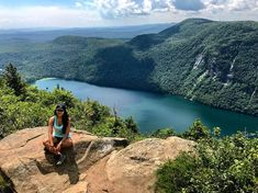 This Stunning Hiking Trail Near Ontario Will Make You Feel Like You're In An Ancient Rainforest - Narcity Hiking Dogs, Hiking Trails, Voyage Usa, Dog Friends, Vermont, Make You Feel, Ontario, Trips, To Go
