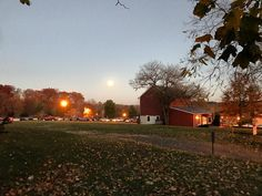 Fall leaves and Super Moon coming up New Hope PA. #DelawareValley #PA #NJ #fall #autumn #SuperMoon
