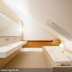 exclusives Baddesign  Planungsbüro: Innenarchitektur-rathke.de  Die Lage im Obergeschoss ermöglicht ein Abtauchen aus der Hektik des Alltags in eine Welt…