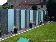 Einsatzgebiete und Montagedetails eines individuell und kreativ gestaltbarem, innovativem Sichtschutzes aus Edelstahl, Stein und Glas.