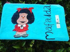 "Estuche pintado a mano ""Mafalda"" Snoopy, Fictional Characters, Art, Ropa Vieja, Plushies, Kunst, Fantasy Characters, Art Education, Artworks"