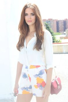 Clara Alonso, Western Girl Outfits, Clothes For Women In 20's, Chic Outfits, Fashion Outfits, Gal Meets Glam, Most Beautiful Faces, Long Layered Hair, Female Models