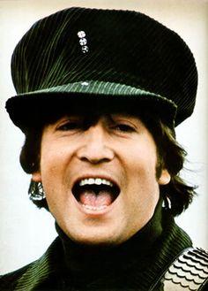 John Lennon (The Beatles pictures John)