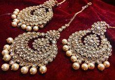 59 New Ideas For Jewerly Indian Earrings Jewels - Schmuck / jewelry - Indian Jewelry Earrings, India Jewelry, Jewelry Sets, Tikka Jewelry, Bride Earrings, Gold Jewellery, Silver Jewelry, Pakistani Jewelry, Indian Wedding Jewelry