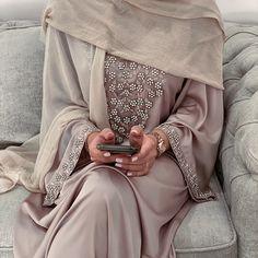Hijab Casual, Hijab Style, Abaya Style, Muslim Women Fashion, Arab Fashion, Niqab, Modesty Fashion, Fashion Outfits, Fashion Muslimah