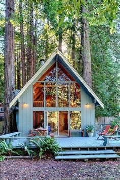 What is the Tiny House Movement? Best Tiny House Rentals, 2020 - - What is the tiny house movement? Learn about tiny house living and check out the best tiny house rentals for Living big in a tiny house ain't bad! Tiny House Living, My House, Open House, Cottage House, Cozy Cottage, Garden Cottage, House In The Forest, Forest Home, Tiny House Family