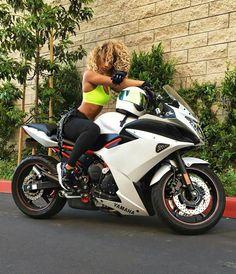 Biker girl on Yamaha Motorbike Girl, Motorcycle Bike, Motorcycle Girls, Lady Biker, Biker Girl, Chicks On Bikes, Custom Sport Bikes, Cafe Racer Girl, Hot Bikes