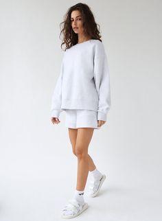 Crew Sweatshirts, Crew Neck Sweatshirt, Unique Colors, I Dress, White Dress, Boyfriend, Cozy, One Piece, Sweaters