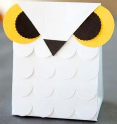 Owl party favor bags... or small gift bags!  free tutorial and templates!