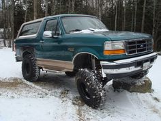 1996 Ford Bronco photos, pictures, photos, videos, and sounds Ford Excursion, Broncos Pictures, Classic Ford Broncos, Trophy Truck, Route 66, Ford Trucks, Scouts, Offroad, Dream Cars