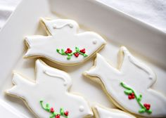 christmas-dove-cookies_with detailed instructions on how to: royal icing