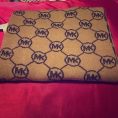 Michael Kors - Brown/Gray winter scarf BRAND NEW - Michael Kors brown && gray winter scarf ❄️ Michael Kors Accessories Scarves & Wraps