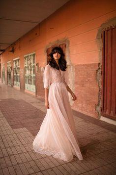 ליז מרטינז שמלות כלה, טלפון: 072-216-0383   קולקציות 2017 של המעצבת ליז מרטינז צולמה במרוקו. ניתן למצוא מגוון של דגמים וסגנונות.   wedding dresses | wedding gown | Liz Martinez Haute Couture| Liz Martinez Morocco 2017 | Liz Martinez 2017 | new collection 2017 | bridal fashion | ליז מרטינז שמלות כלה | שמלת כלה | שמלת כלה מיוחדת | שמלת כלה רומנטית | שמלות כלה 2017 | שמלת כלה עדינה | שמלת כלה וינטג' | ליז מרטינז קולקציית 2017