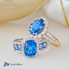 These tanzanite rings would look great under your tree!
