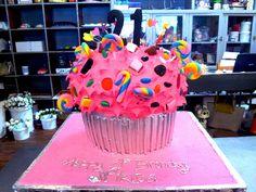 3D Giant Cupcake