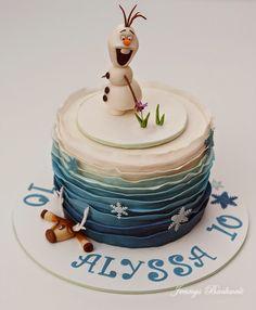 Jennys Backwelt: Eiskönigin Torte mit Olaf und Sven zum Geburtstag
