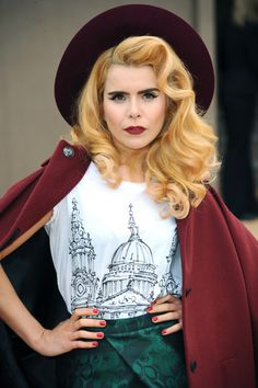 album premiere: paloma faith because every wednesday can use a dance party. by: liza darwin March 05 2014 Fashion Wear, Star Fashion, Fashion Beauty, Stacy London, Paloma Faith, Good Music, Style Icons, My Girl, Muse