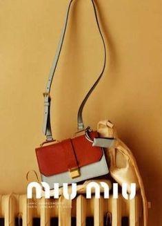 advertising campaign Estella Boersma by Jamie Hawkesworth for Miu Miu Automne 2015 Advertising Campaign Fashion Bags, New Fashion, Fashion Shoes, Trendy Fashion, Fashion Ideas, Shoes Editorial, Editorial Fashion, Miu Miu Tasche, Fashion Advertising