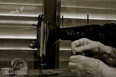Atrapados por la imagen: Las manos en La Necchi