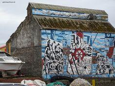 street art in Mallaig, Scotland #gabrielaaufreisen #streetart #scotland #schottland #mallaig