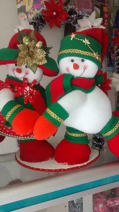 Para mi coleccion Christmas Stockings, Christmas Wreaths, Holiday Decor, Tela, Crocheting, Needlepoint Christmas Stockings, Christmas Garlands, Advent Wreaths