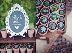 """Lembrancinhas """"Que essa planta floresça em sua vida assim como o nosso amor"""""""