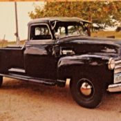 Model 3800 for sale: photos, technical specifications, description Classic Trucks For Sale, Chevy Trucks For Sale, Chevy Pickup Trucks, Chevy Pickups, Retro Radios, New Tyres, Truck Bed, Pick Up, Colorful Interiors