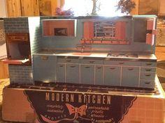 Vintage Tin Kitchen   Barbie-size