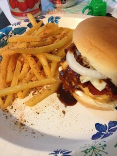 Bacon cooked in toaster oven. Use the bacon grease in the cast iron skillet to cook the burgers. Little mayo, sauce, lettuce, and onion. Frozen fast food fries seasoned with Cajun seasoning. Toaster Oven Cooking, Cheese Burger, Cajun Seasoning, Grease, Skillet, Have Time, Lettuce, Burgers, Cast Iron