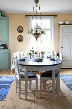 Dining room photographed by Anne-Charlotte Andersson for Lantliv magazine