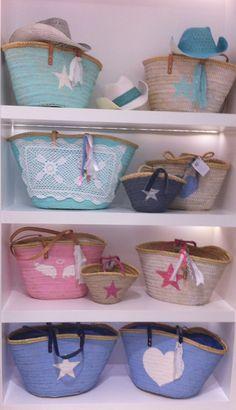 Hand-painted beach basket cesta para la playa artesanal panier pour la plage artesanal www.islandfactory.eu Beach Basket, Painted Bags, Hand Painted, Straw Handbags, Ibiza Fashion, Art Bag, Basket Bag, Fabric Bags, Summer Bags
