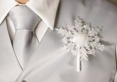 21 Ways To Use Snowflakes In Winter Wedding Décor - Weddingomania Winter Wedding Decorations, Winter Wedding Flowers, Winter Weddings, Snowflake Wedding, Christmas Wedding, Snowflake Party, Groom Boutonniere, Boutonnieres, Our Wedding