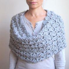 Crochet PATTERN women infinity circle loop scarf woman | Etsy