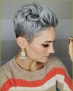 Short Grey Hair, Short Hair Cuts For Women, Short Hairstyles For Women, Summer Hairstyles, Bob Hairstyles, Hairstyles Pictures, Grey Short Hair Styles, Grey Pixie Hair, Short Shaved Hairstyles