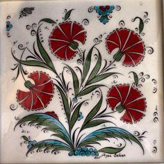 1 Pottery Painting, Ceramic Painting, Fabric Painting, Turkish Art, Turkish Tiles, Traditional Paintings, Tile Art, Tile Patterns, Islamic Art