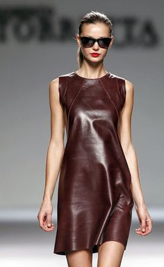 Only Leather — conilde: Roberto Torretta Fashion 2020, Look Fashion, Womens Fashion, Fashion Design, Fashion Trends, Steampunk Fashion, Gothic Fashion, Fashion Models, Ropa Shabby Chic