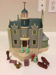 Disney Park Monorail Haunted Mansion Playset #Disney