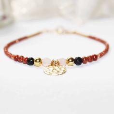 Bracelet fin plaqué or gold filled, doré, marron, bleu nuit, rose, pierres fines, pierre de soleil et quartz : Bracelet par lomea