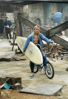 General picture of John Robinson - Photo 41 of 47 Lords Of Dogtown, Sandy Cheeks, Old School Skateboards, Z Boys, Skater Boys, Skate Surf, Surfs Up, Summer Vibes, 1970s