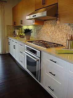 cocinas con suelo de madera oscura - Buscar con Google